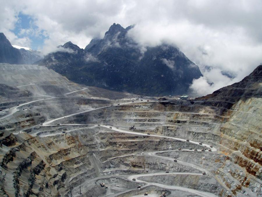 Copper price falls on Grasberg production resumption